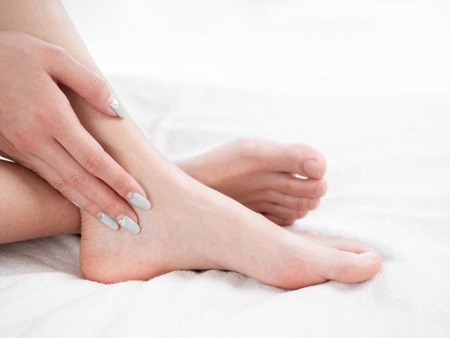 jmax,足首サポーター,外反母趾,猫背,ひざ痛,膝,腰痛,肩こり,足の冷え,むくみハイヒール,ウォーキング,パンプス,歩き方,モデル,姿勢,コンプレックス,ダイエット,スタイル,距骨,加圧,トレーニング,フィットネス,ウォーキング,加圧式,足裏