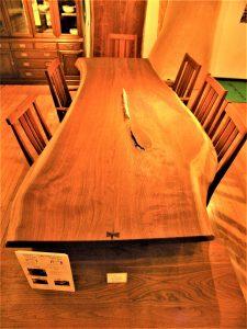 家具,ウォールナット,ダイニングテーブル,無垢材,無垢一枚板,戸山家具,家具選び,高級家具,アンティーク家具